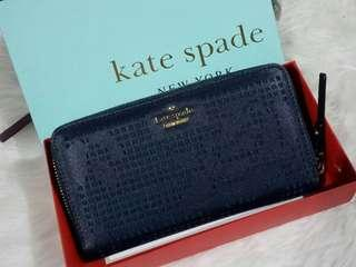 AUTHENTIC OVERRUN KATE SPADE PERFORATED ZIPPY WALLET WITH BOX