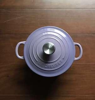 🚚 二手美品:LC 絕版lm紫丁香16公分圓鍋