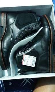 🚚 zara man boots us8