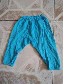 Celana panjang bayi biru muda