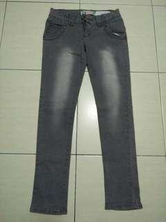 Grey jean
