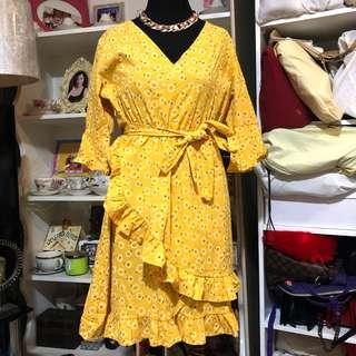 Yellow Mustard Dress 💫(so nice in actual 😍