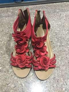 🚚 Rose wedges