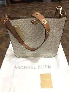 📌clearance sale: Michael kors