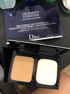 Diorskin Forever Extreme Control Compact Foundation