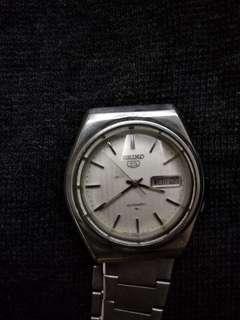 🚚 Seiko 7009 老錶