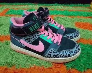 Nike pink animal print
