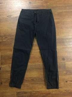 Roots Pants Size Small Brand New