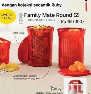 TUPPERWARE 2 SET ( 4pc ) CANISTER FAMILY ROUND MATE