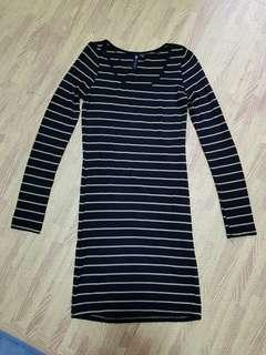 🚚 Black with Gold Stripes Bodycon Dress