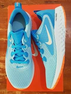 Nike Legend React running shoes size 4Y or 5-6 US women (23 cm)