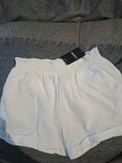 Promo A : bnwt white shorts