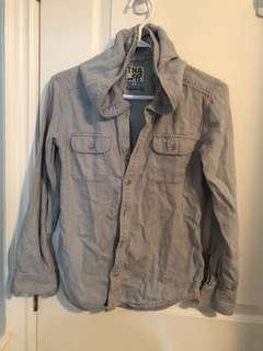 Aritzia TNA Boyfriend Button Up Shirt