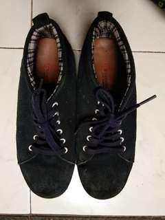Navy blue man shoes