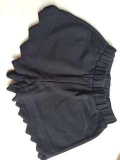 Black cute short pants