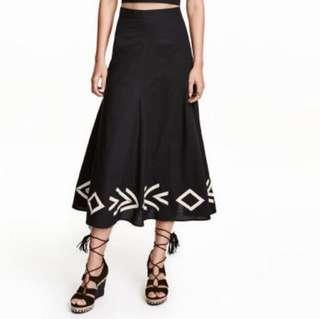 🆕 #precny60 H&M High Waisted skirt with Appliqués