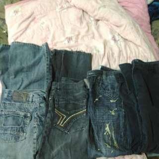 破盤>3000只收500+免運+ 加送一套運動服 男生牛仔褲4件