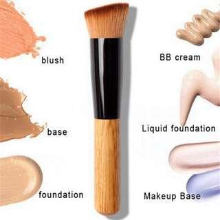 🌸BS0159 Liquid Foundation Wooden Brush🌸