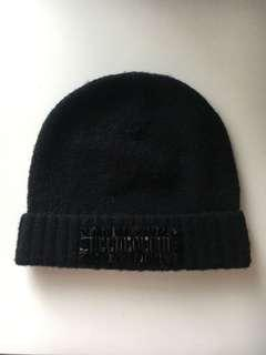 Laurèl black wool beanie