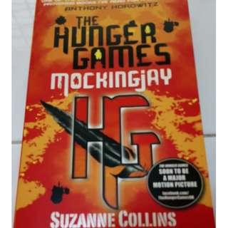 Mockingjay (The Hunger Games #3) (By Suzanne Collins)