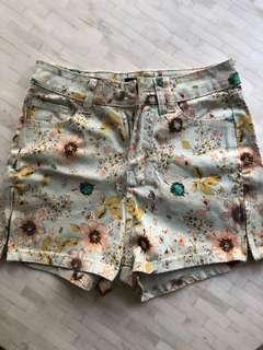 Summer shorts with floral pattern