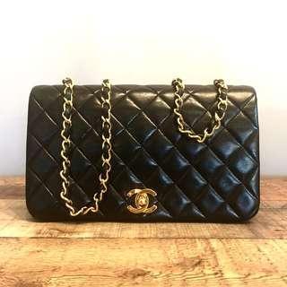 Authentic Chanel Crossbody Classic Lambskin Flap Bag w 24k Gold Hardware