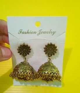 Anting india besar