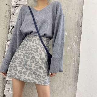 全新灰藍色反折袖毛衣