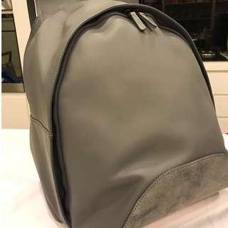 Camper leather backpack