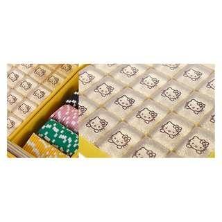 Hello Kitty Gold Mahjong Set