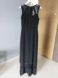 Something Borrowed Laced Maxi dress