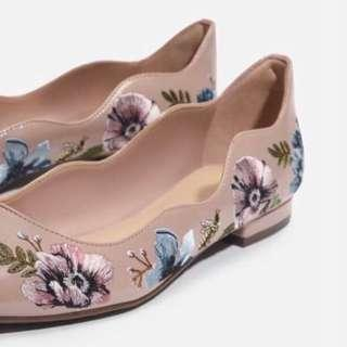 Pink nude floral embroidery flats