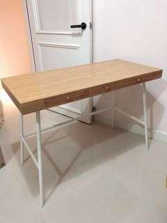 Ikea 書桌 / 化妝桌 /邊桌