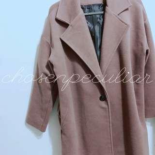 深棕色大衣外套