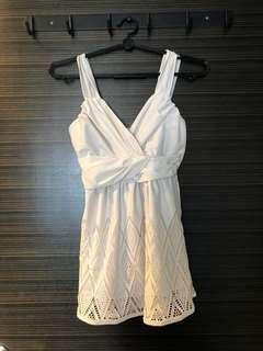 🚚 White sexy TOP