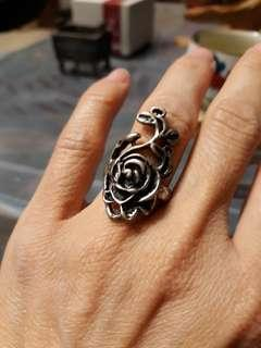🚚 玫瑰戒指