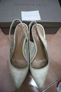 Preloved heels wanita