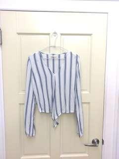 🚚 Hollister 藍白直條紋短版綁帶長袖V領上衣
