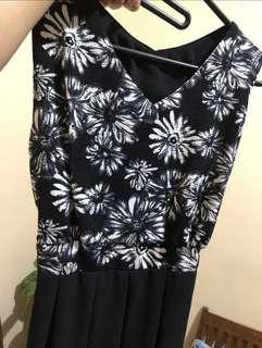 Dress Black and white ( floral / motif bunga )