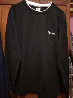 Sweater hitam Hanes