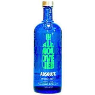 NEW Absolut Vodka limited edition love , sealed .
