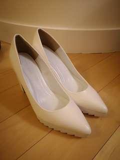 Moussy White high heels 37 Pump 白色高跟鞋