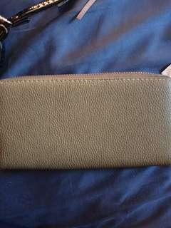 Taupe Zipped up Wallet