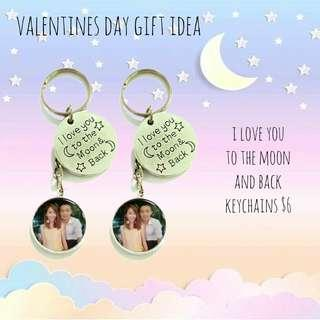 🚚 Custom love you to the moon and back keychains