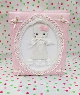 sanrio Hello Kitty 白色喱士花裙 相簿