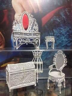 Miniature Metal Doll Furnitures Lot