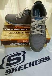 🚚 全新專櫃正品Skechers 男綁帶休閒鞋EU43