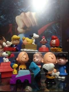 Charlie Brown Snoopy Toy Lot