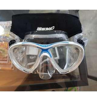 Cressi Big Eyes Evolution CRYSTAL Silicone Scuba Diving Mask, Blue/White (FREE Cressi comfortable head strap) with box