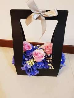 Hydrangea Roses Floral Carrier